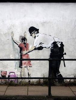 art,bansky,girl,graffiti,police,ozgesomer-01f9bee82b11a7bb5f411257cc4ff9bd_h